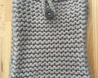 Knitted tablet cover
