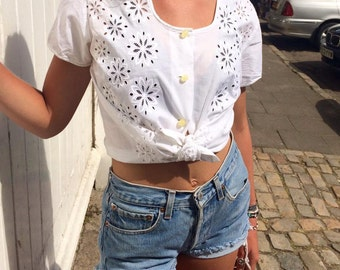 Vintage Flower Cut Out Embroidery Blouse