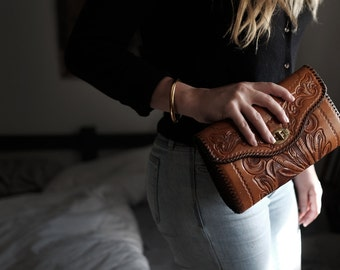 Tooled Leather Clutch Purse | Woman's Vintage