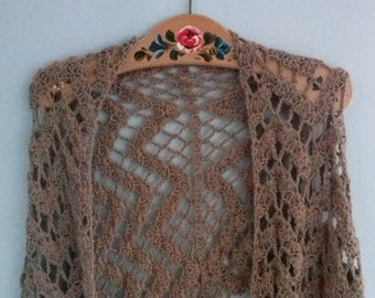 Alpaca Wrap - a crochet pattern for a cosy woollen wrap pdf