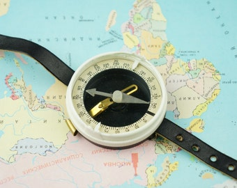 Mechanical compass, compass, wrist compass, travel compass, compass USSR, tourist, traveler, traveling, travel accessories, military compass