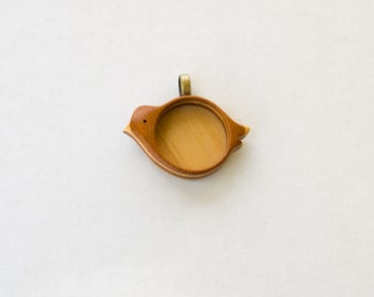 "NO Laser USA Fine Finished Wooden Pendant - Mahogany and Maple - 1"" - 25.5 mm - Brass Bail - (X12-MMp)"