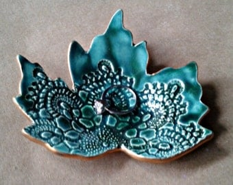 Ceramic lace Leaf Ring Dish Malachite green with gold edging