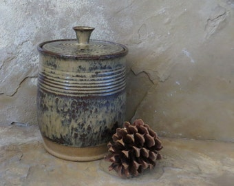 Compost Crock - Handmade Stoneware Pottery Ceramic - Burnt Iron Brown and Green Tea - 1-1/2 quart