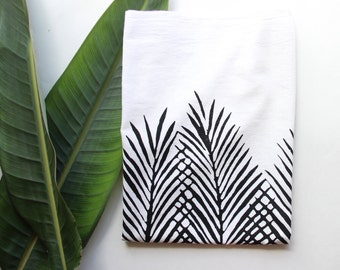 Black and White Leaf Tea Towel - Boho Beach Decor - Beach Decor - Coastal Living - Palm Tree Print - Beach Dish Towel - Black and white