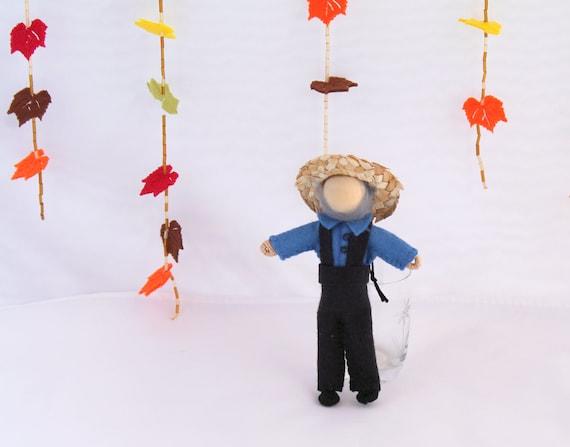 Felt Art Doll - Piksee Dresses Up as Pilgrim for Thanksgiving