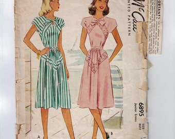 1940s Vintage Sewing Pattern McCalls 6895 Misses Dress with Chevron Decoration Detail Size 13 Bust 31 1947