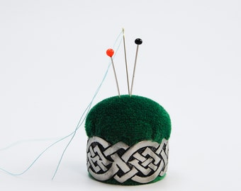 Pincushion 'Celtic Knot' pewter