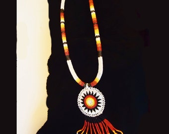 VINTAGE NATIVE AMERICAN Beadwork Necklace and Earring Set 1960s