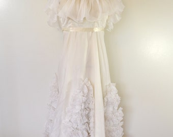 Vintage Teen or Girls CONFIRMATION DRESS or flower girl not tags white ruffles