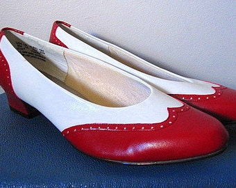 Vintage 80s Hush Puppies Red and White Spectator Wingtip Low Pumps Size 9