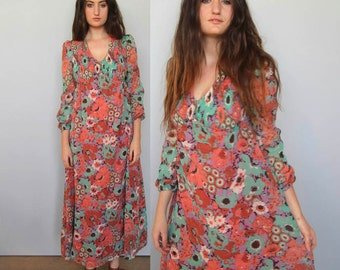 gentle technicolor -- vintage 70's daydream floral maxi dress S