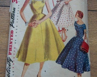 Vintage 50s/60s  simplicity sewing pattern 1207 Misses dress with flared skirt size 14 b32