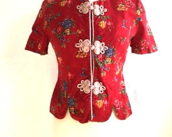 Vintage RED Asian Inspired FLORAL Blouse / 90s Jessica Howard / Red And Blue Floral Fitted Shirt / Womens Medium Large