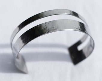 Hammered Cut-Out Silver Cuff | Stainless Steel | Adjustable | B11620