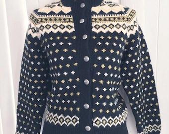 Vintage Norwegian Cardigan -- Cutie Pie -- Ski Sweater -- Retro -- Size M