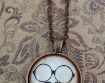 25mm round mustache and glasses pendant necklace