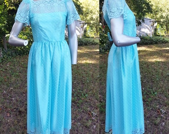 70s Prom Dress, Vintage Bridesmaid Dress, 70s Costume, 70s Dress, Vintage Dress in Aqua Lace by JC Penney Size 4