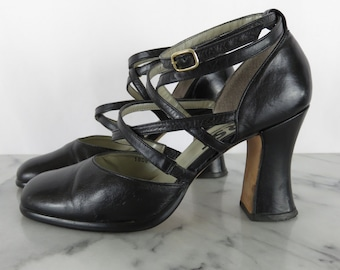 SALE // Vintage Ankle Wrap Black Leather Vintage Round Toe Pumps Goth Curved Heel sz 7.5 8 B