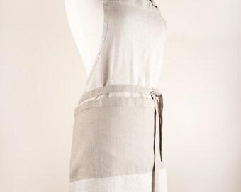 Mix-natural color and contrast pocket Linen Apron.