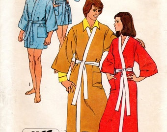 1970s Mens Robe Pattern - Vintage Simplicity 5685 - Mens Small