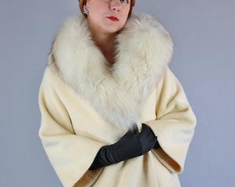 Vintage 1950s Women's Cream Arctic Fox Fur Collar Luxurious Wool Clutch Coat // Winter Wedding