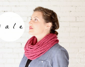 SALE | The Skipjack Cowl | RASPBERRY | Chunky Knit Infinity Rope Loop Cowl Scarf