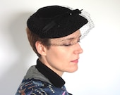 Vintage 1950's Hat // 50s Black Velvet Fascinator Hat with Netting and Bow // 50s Tea Party Hat