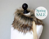 SALE 10% OFF Faux fur collar in beige and black. Beige black faux fur neck warmer. Womens faux fur collar with beige ribbon.
