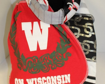 Wisconsin Badgers T-Shirt Scarf