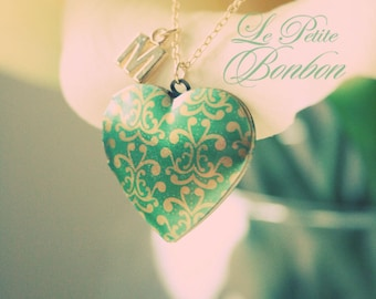 Love with initial pictures Locket necklace