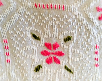 Chenille Bedspread - Pink Flowers - Vintage Glamping