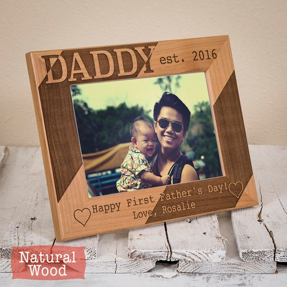 Personalized dad picture frame happy first fathers for Thoughtful gifts for dad from daughter