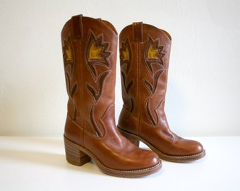 Frye Floral Stitched Campus Boots 6.5