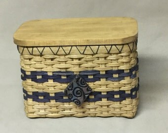 Small, Hand Woven Rectangular Basket with Wooden Lid, Tea Bag Storage Basket