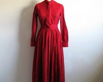 Red 80s Laura Ashley Dress Country Floral Dark Red 1980s Cotton-Wool Belt Necktie Dress 8
