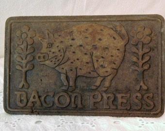 Primitive Bliss~Vintage Cast Iron~PIG Bacon Press~Wood Handle~Taylor & NG~1978
