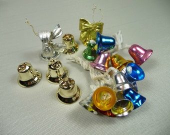21 Vintage Christmas Bells Aluminum with Bead and Metal Clappers Assorted Colors Mix Lot 3 Feather Tree Decorations Tie Ons