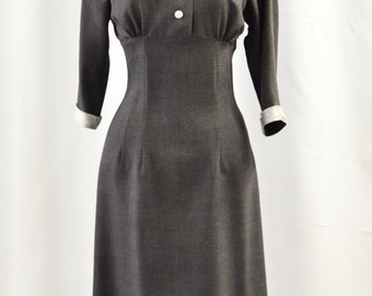SALE 50s style wiggle dress in gray wool, size US 4 / wiggle dress / winter dress / vintage style dress / Sample