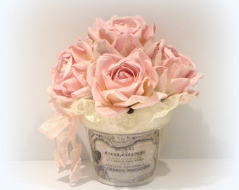 Shabby Chic Arrangement, Shabby Chic Decor, Pink Roses, Rose Arrangement, Shabby And Chic, Shabby Paris Chic, Paris Apartment