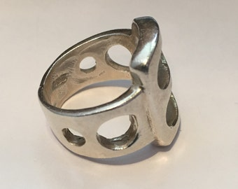 11.2 Grams MODERNIST STERLING SILVER Circles Ring Size 7 Large