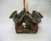 Large Vintage Wicker Basket, Basket With Fruit Design, Fluted Rim Wicker Basket, Thick Wicker Basket, Decorative Wicker Basket,