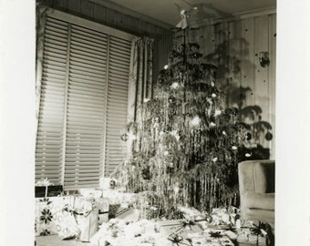"""Vintage Photo """"Santa Was Here"""" Merry Christmas Seasons Greeting Happy Holiday Present Gift Tree Snapshot Americana Picture Find - 12"""