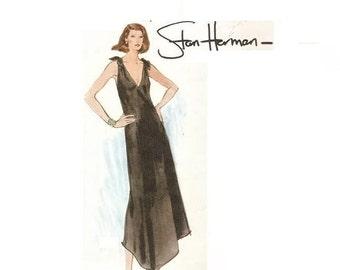 1970s Vogue American Designer Stan Herman Evening Dress Pattern with V Neckline Sleveeless Bust 36 Size 14 Vogue 1459 Vintage Sewing Pattern