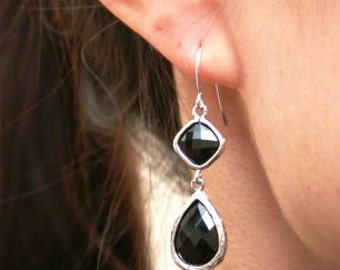 Black Earrings in Silver. Black Onyx Earrings. Black Earrings. Jet Black Earrings. Bridesmaid Earrings.Wedding Earrings.Bridal Earrings.Gift