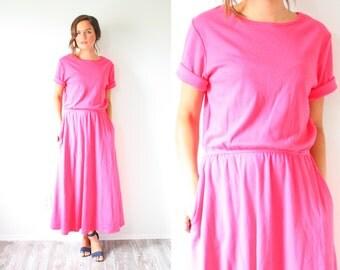 Vintage pink modest short sleeve dress // boho summer dress // 1960's t-shirt jersey dress // elastic waist modest dress / boho summer dress