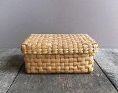Vintage Basket with Lid / Storage Basket / Rectangular Basket