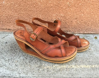 1970s leather wood wedge heels cutout platform honey ankle straps RARE // US SIZE 9.5 10