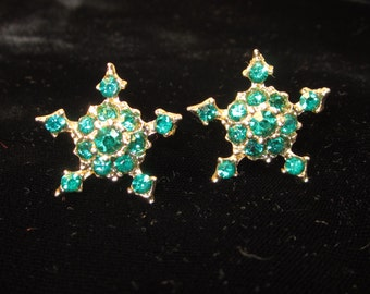Vintage 1950's Emerald Green Rhinestone Earrings with Goldtone Setting