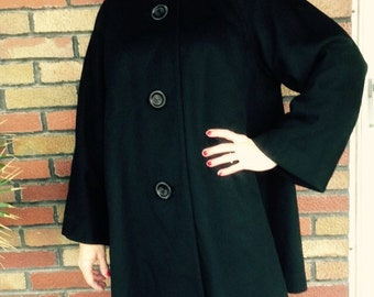 Vintage 1950s black wool swing coat with a mink fur collar EXCELLENT condition